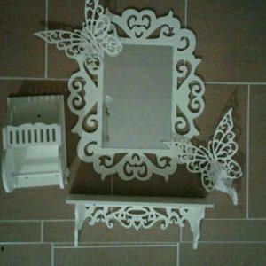 قاب آینه و کنسول و جادستمال
