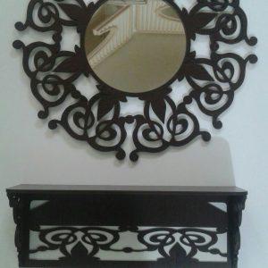 قاب آینه و کنسول گرد